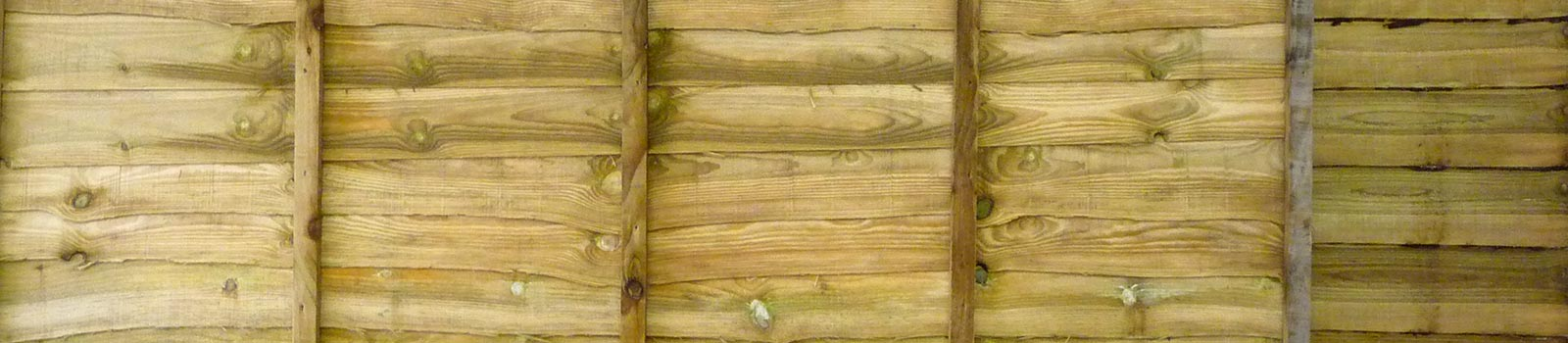 Lapped fencing panels