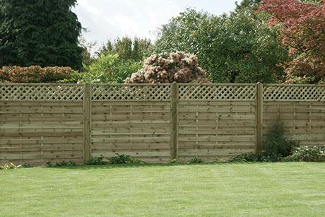 Horizontal lattice top fence panels