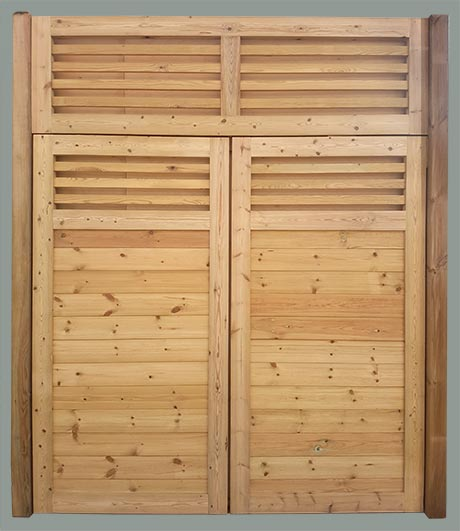 Double timber gate with top security panel