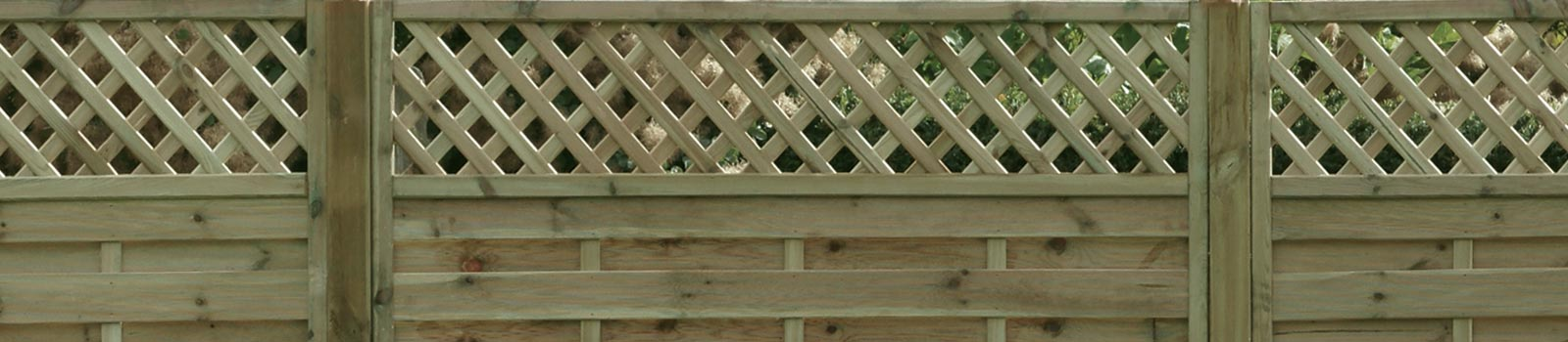 Horizontal Lattice Top fencing panels